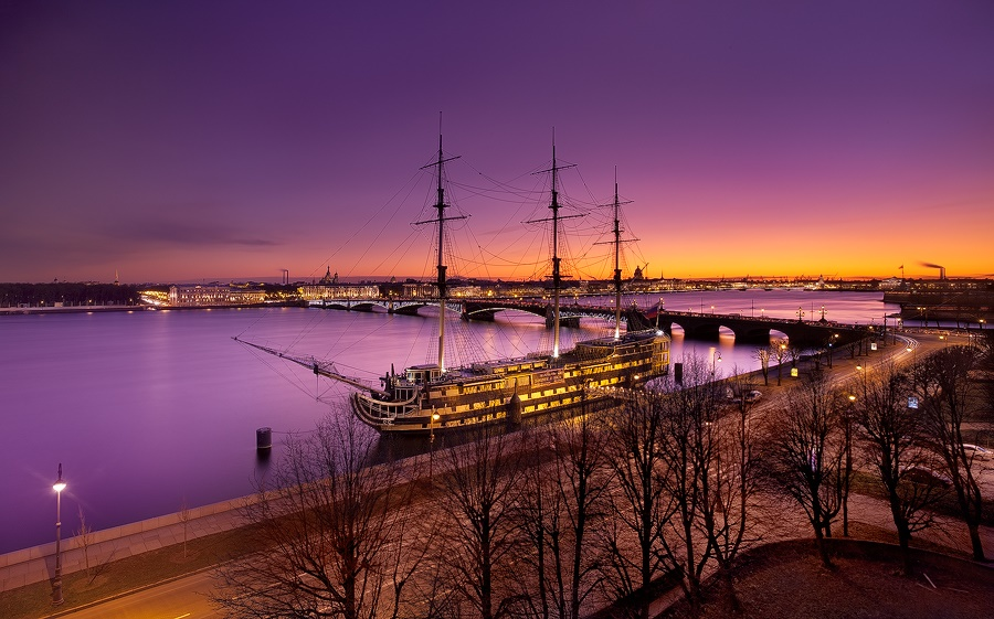 Night Saint Petersburg: Amazing photos of the city by Sergey Louks - 16
