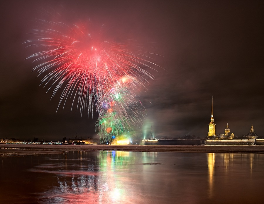 Night Saint Petersburg: Amazing photos of the city by Sergey Louks - 37