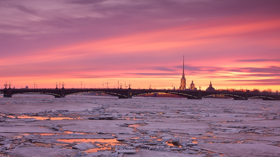 Night Saint Petersburg: Amazing photos of the city by Sergey Louks - 09
